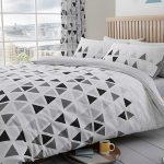 Geometric Triangle Double Duvet Cover and Pillowcase Set – Grey